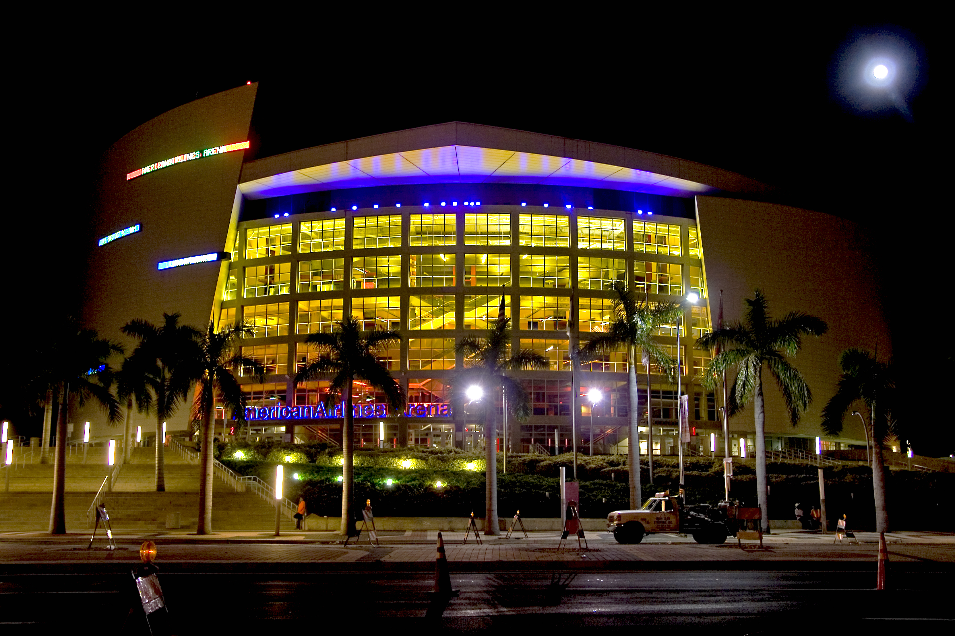 A nighttime view of AmericanAirlines Arena