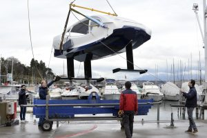 A hoist lifts a SeaBubble